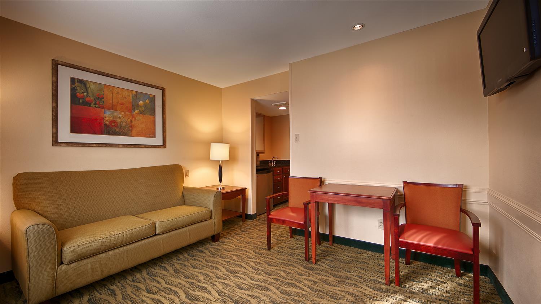 Suite - Best Western Rose Garden Inn & Suites McAllen