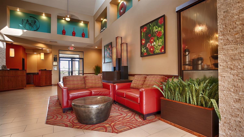Lobby - Best Western Rose Garden Inn & Suites McAllen