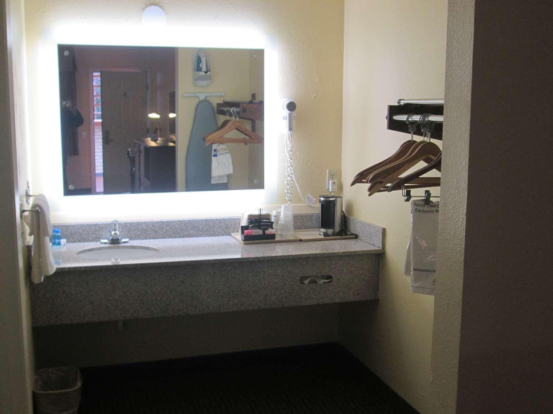 Room - Best Western Motel Llano