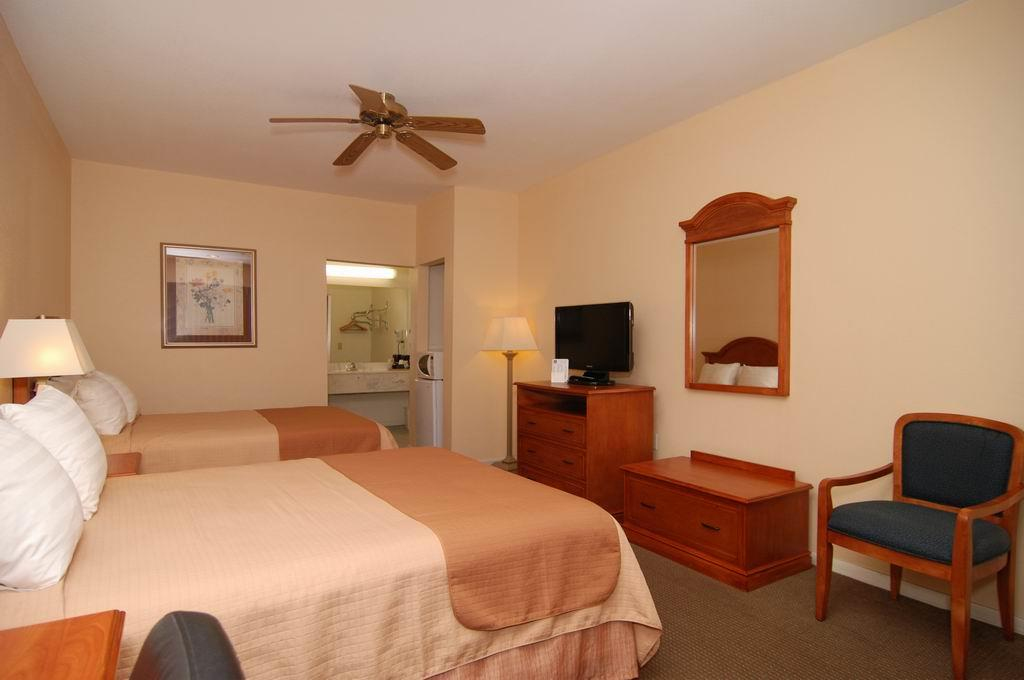 Room - Best Western Inn of Navasota