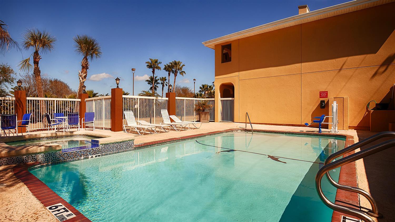 Pool - Best Western Paradise Inn Corpus Christi