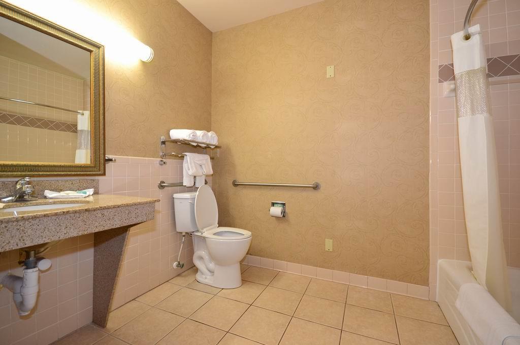 Room - Best Western Casa Villa Suites Harlingen