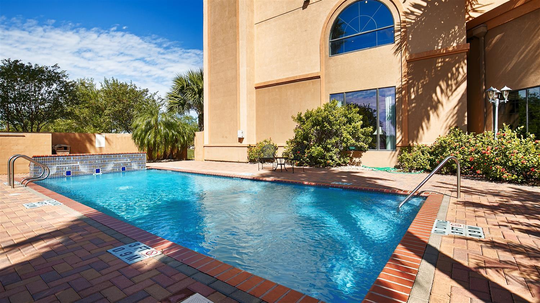 Pool - Best Western Casa Villa Suites Harlingen