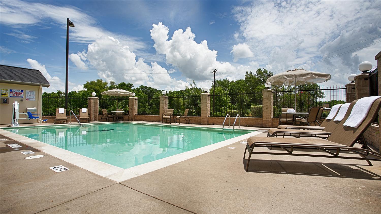 Pool - Best Western Executive Inn Corsicana