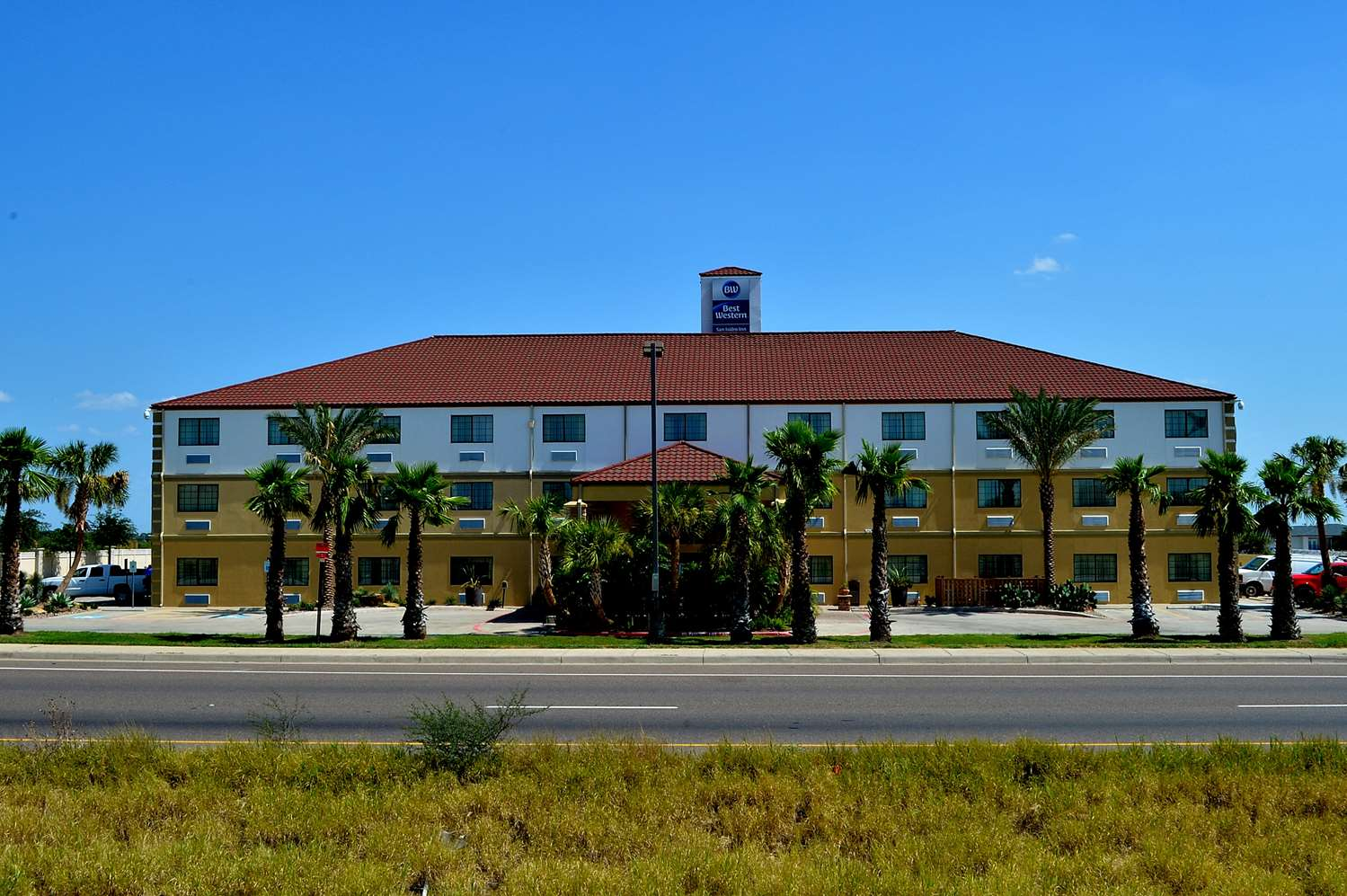 Best western san isidro inn laredo tx see discounts - Laredo civic center swimming pool ...