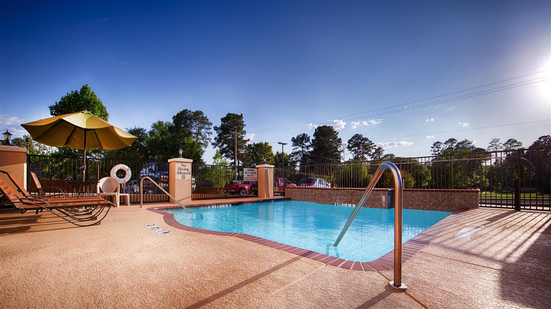Pool - Best Western Longview Inn