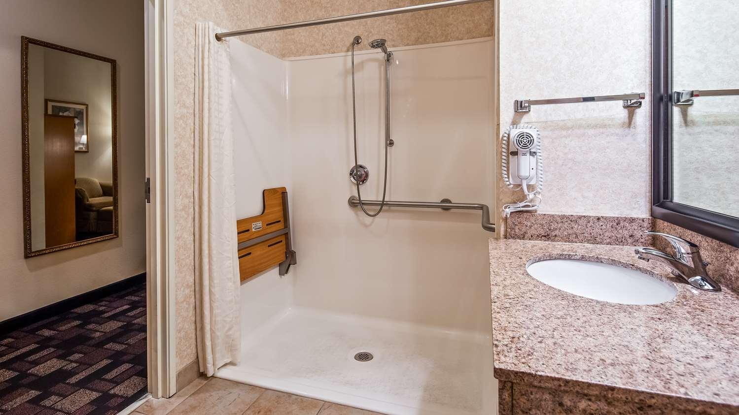 Room - Best Western Longview Inn