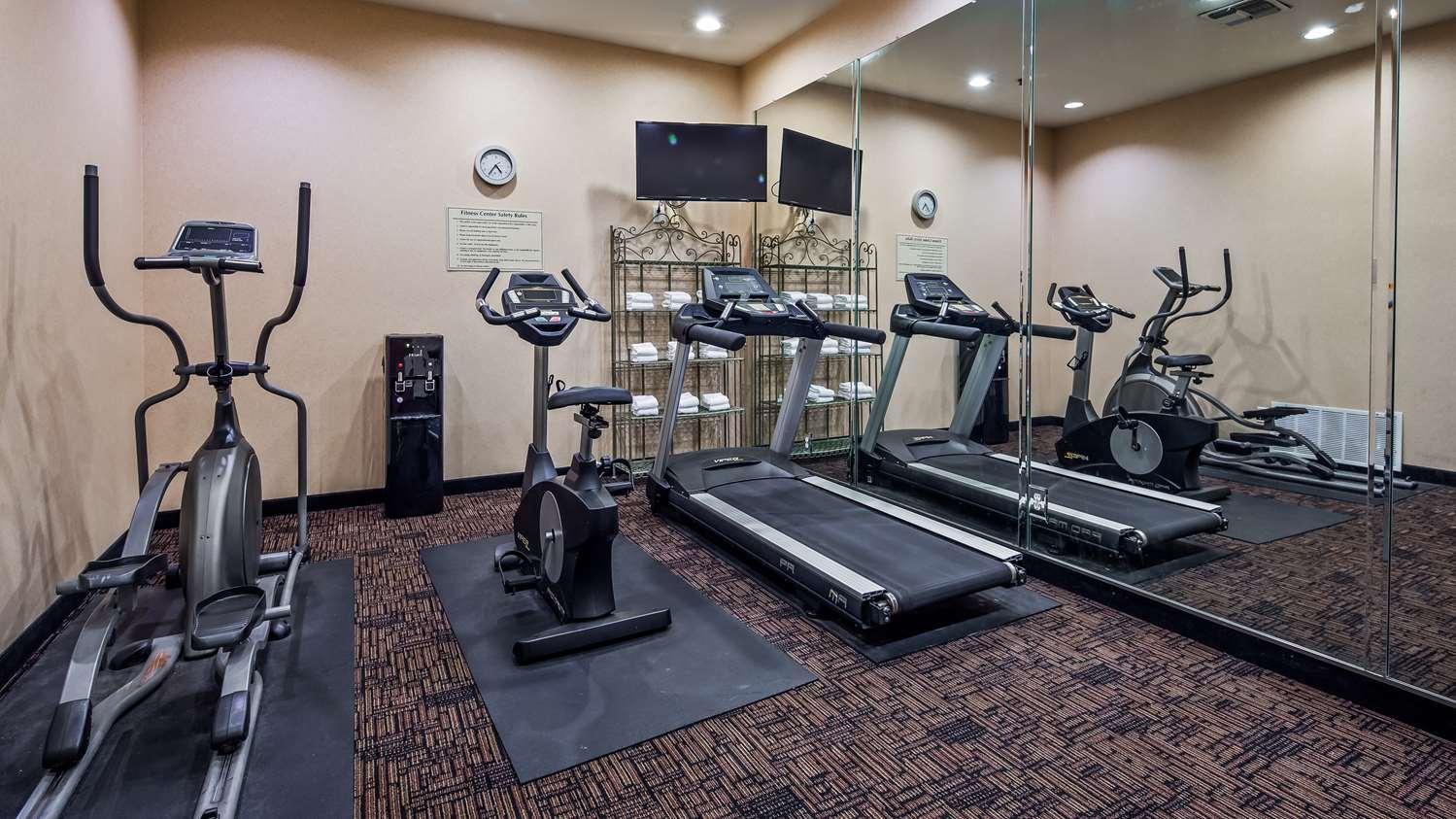 Fitness/ Exercise Room - Best Western Longview Inn