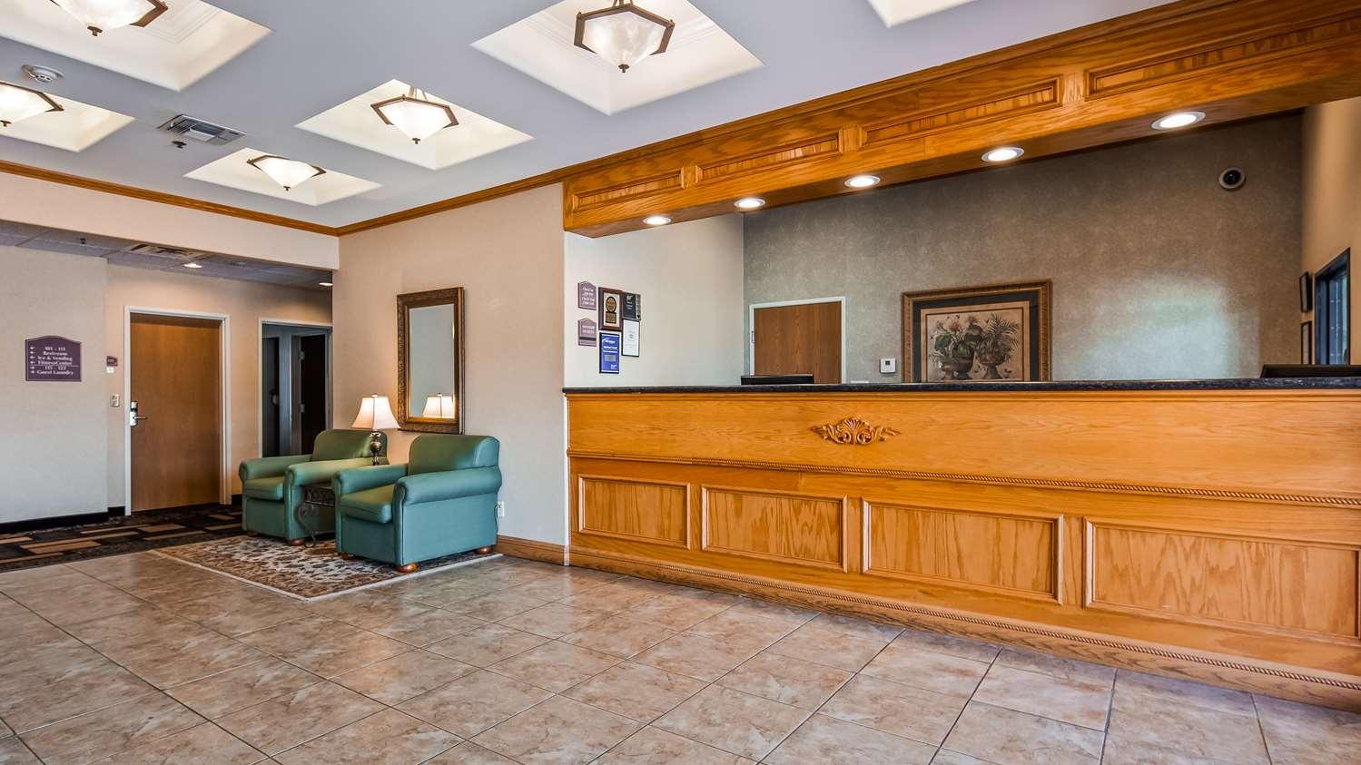 Lobby - Best Western Longview Inn