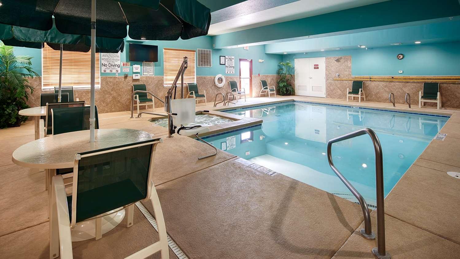Pool - Best Western Plus Monahans Inn & Suites