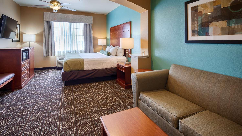 Suite - Best Western Plus Monahans Inn & Suites
