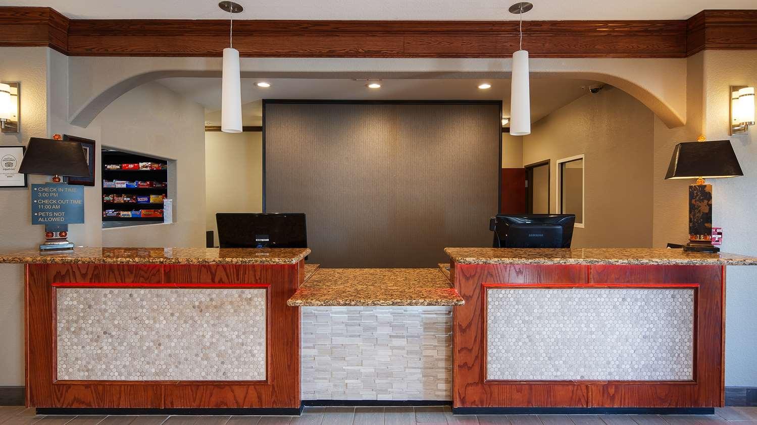 Lobby - Best Western South Plains Inn Levelland