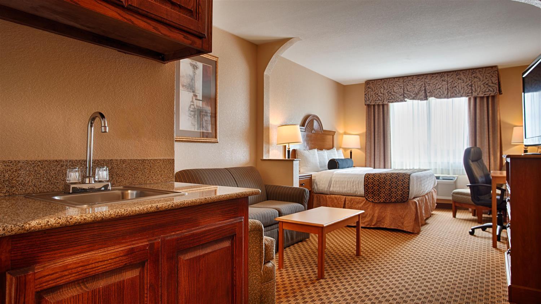 Suite - Best Western South Plains Inn Levelland