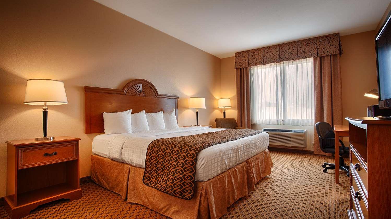 Room - Best Western South Plains Inn Levelland