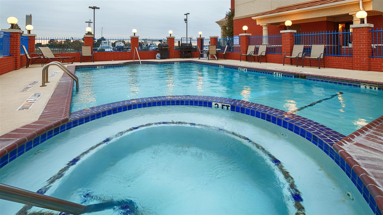 Pool - Best Western Plus Sweetwater Inn & Suites
