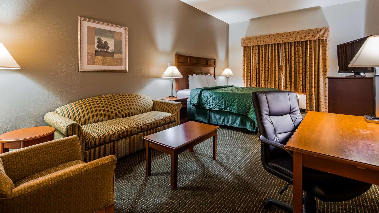 Suite - Best Western Inn Comanche