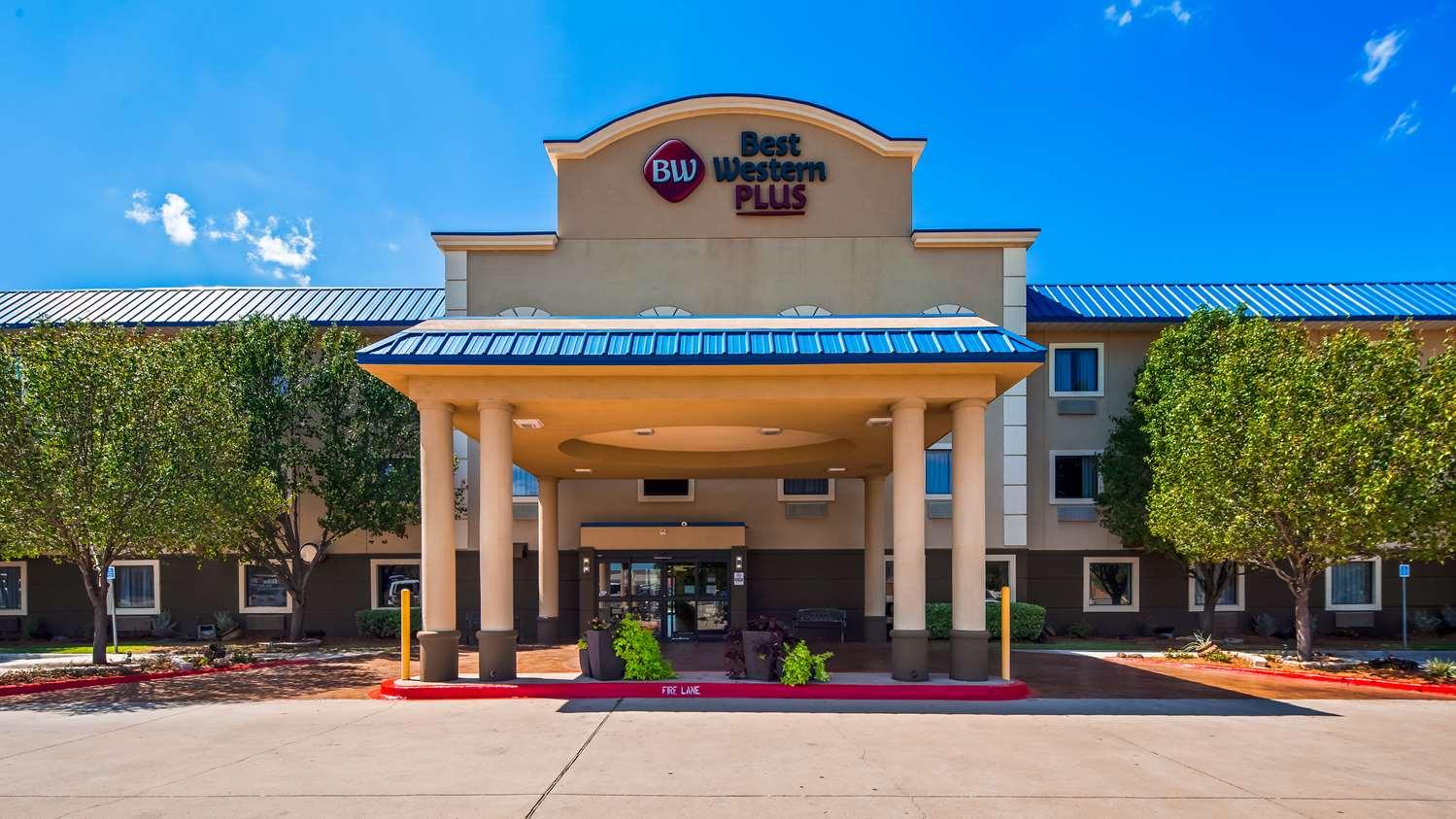 BEST WESTERN PLUS University Inn & Suites