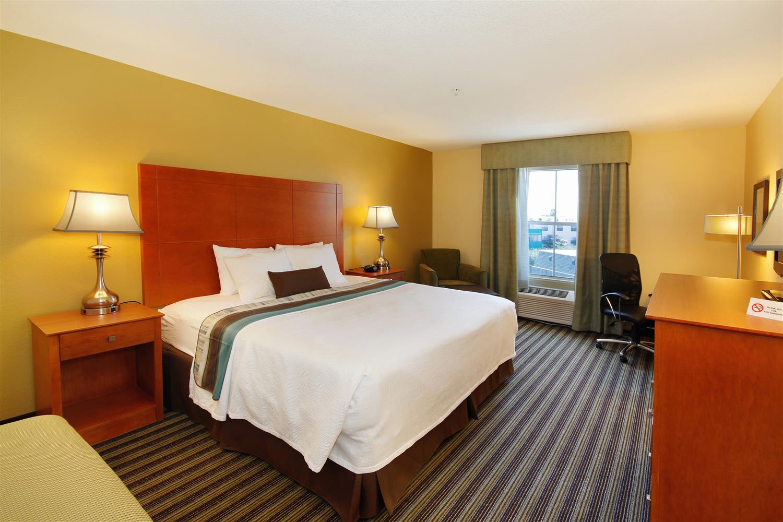 Room - Best Western Plus Seawall Inn & Suites Galveston