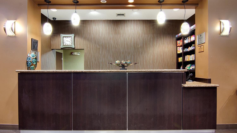 Lobby - Best Western Plus Seawall Inn & Suites Galveston