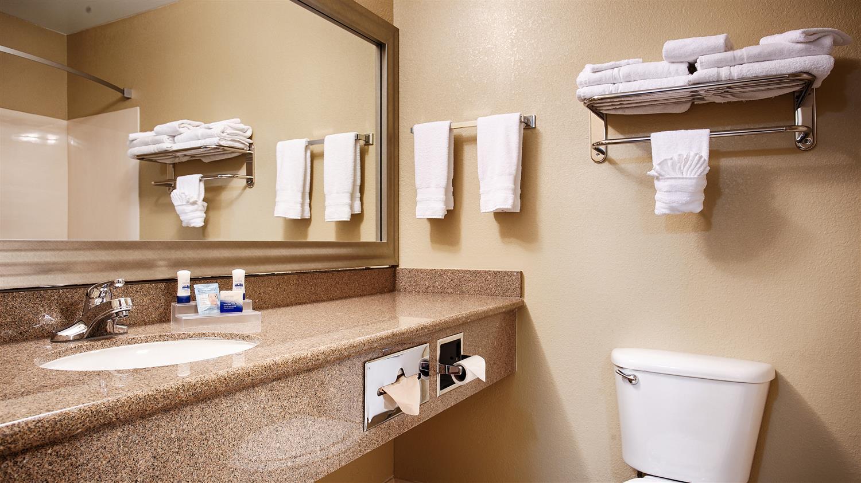 Room - Best Western Plus North Waco Inn Bellmead