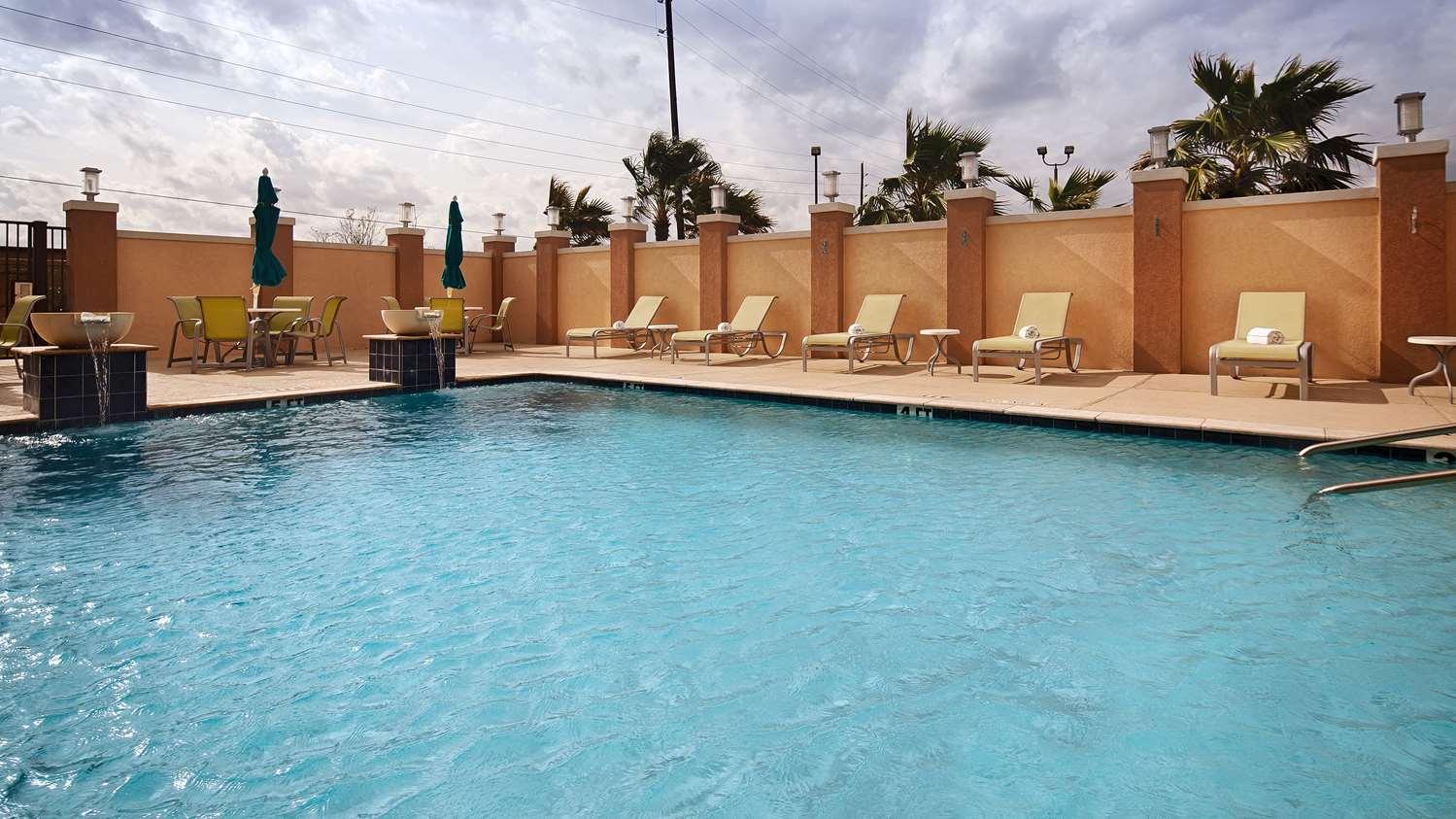 Best Western Premier Ashton Suites Houston, TX - See Discounts
