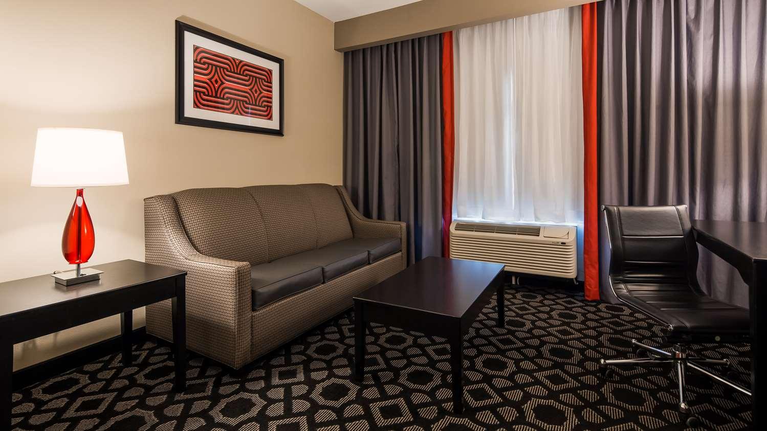 Room - Best Western Plus Laredo Inn & Suites