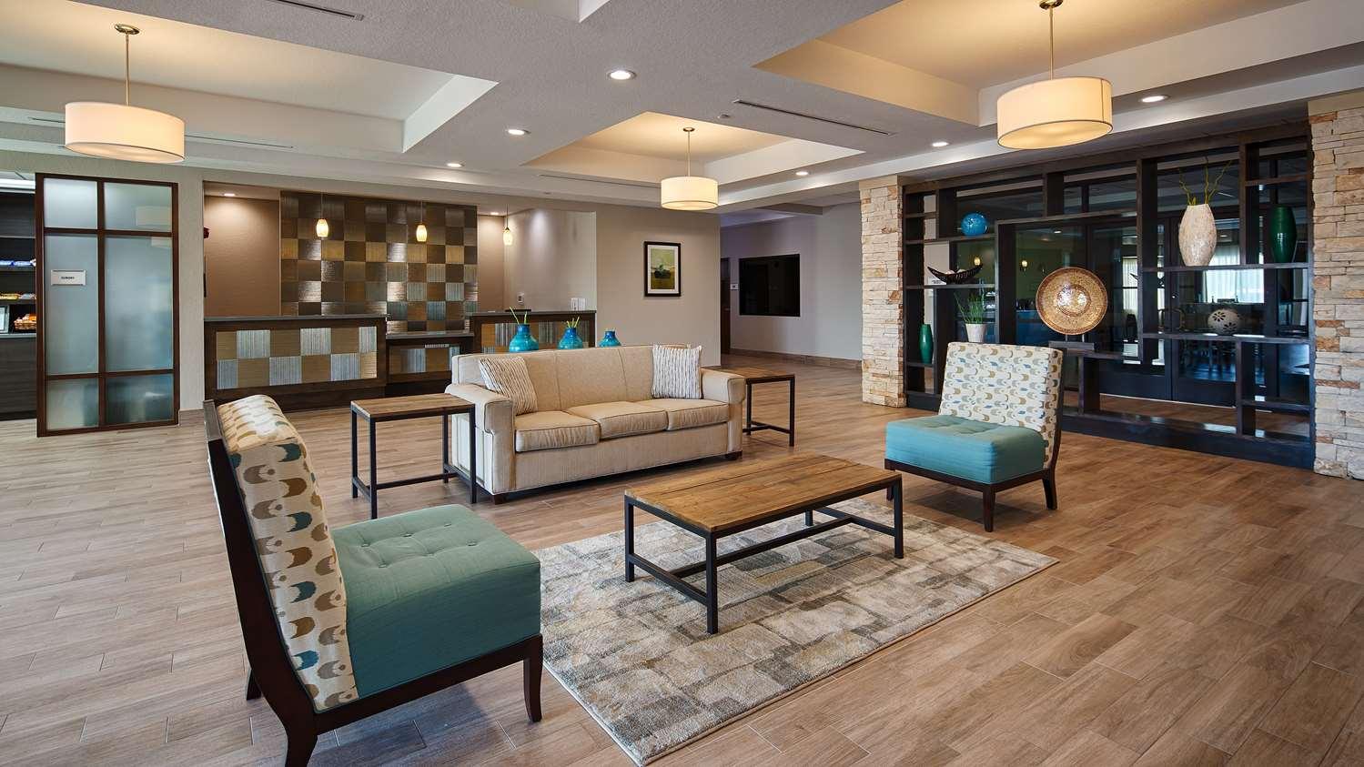 Lobby - Best Western Plus College Station Inn & Suites