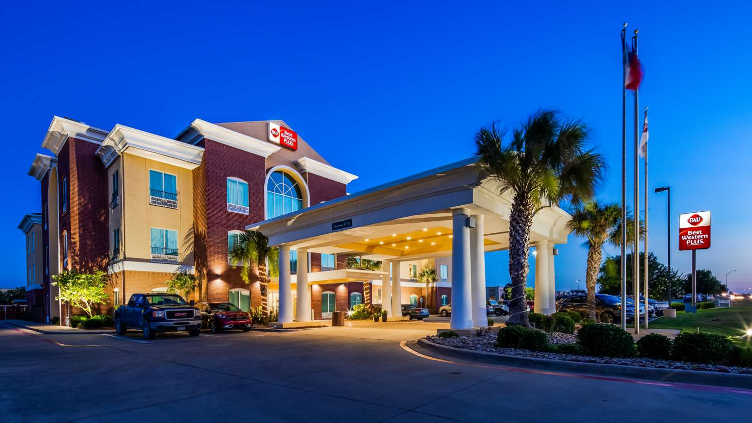 Exterior view - Best Western Plus Woodway Waco South Inn & Suites