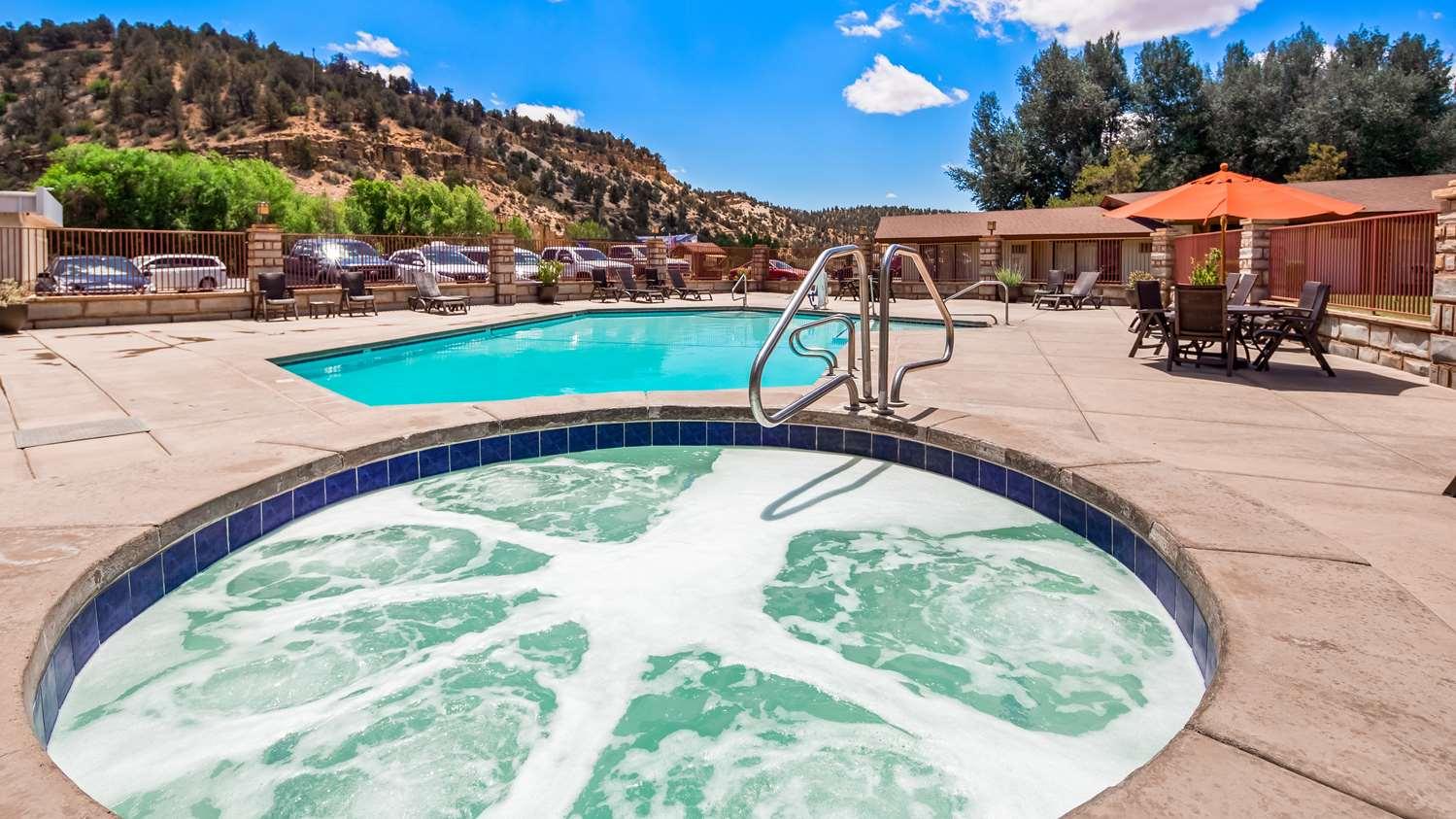 Pool - Best Western Thunderbird Lodge Mt Carmel Junction