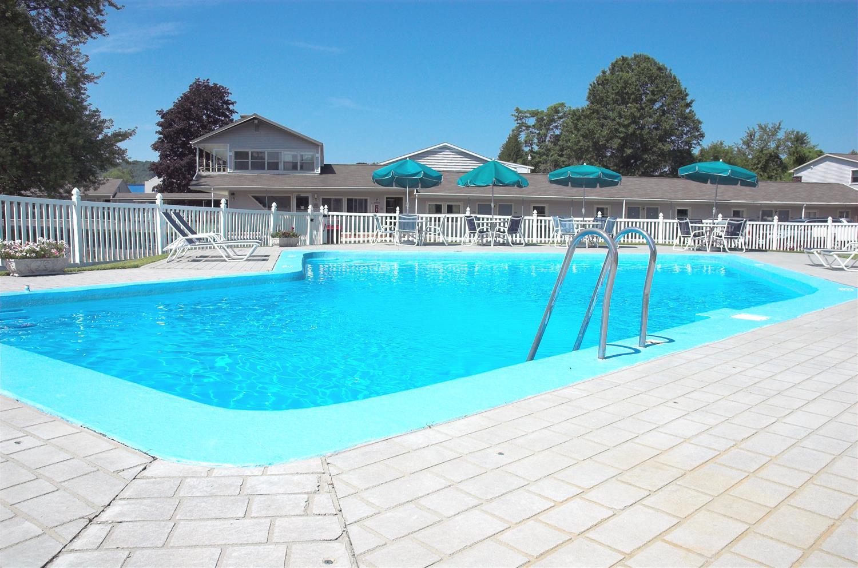 Pool - Best Western Hotel Bennington