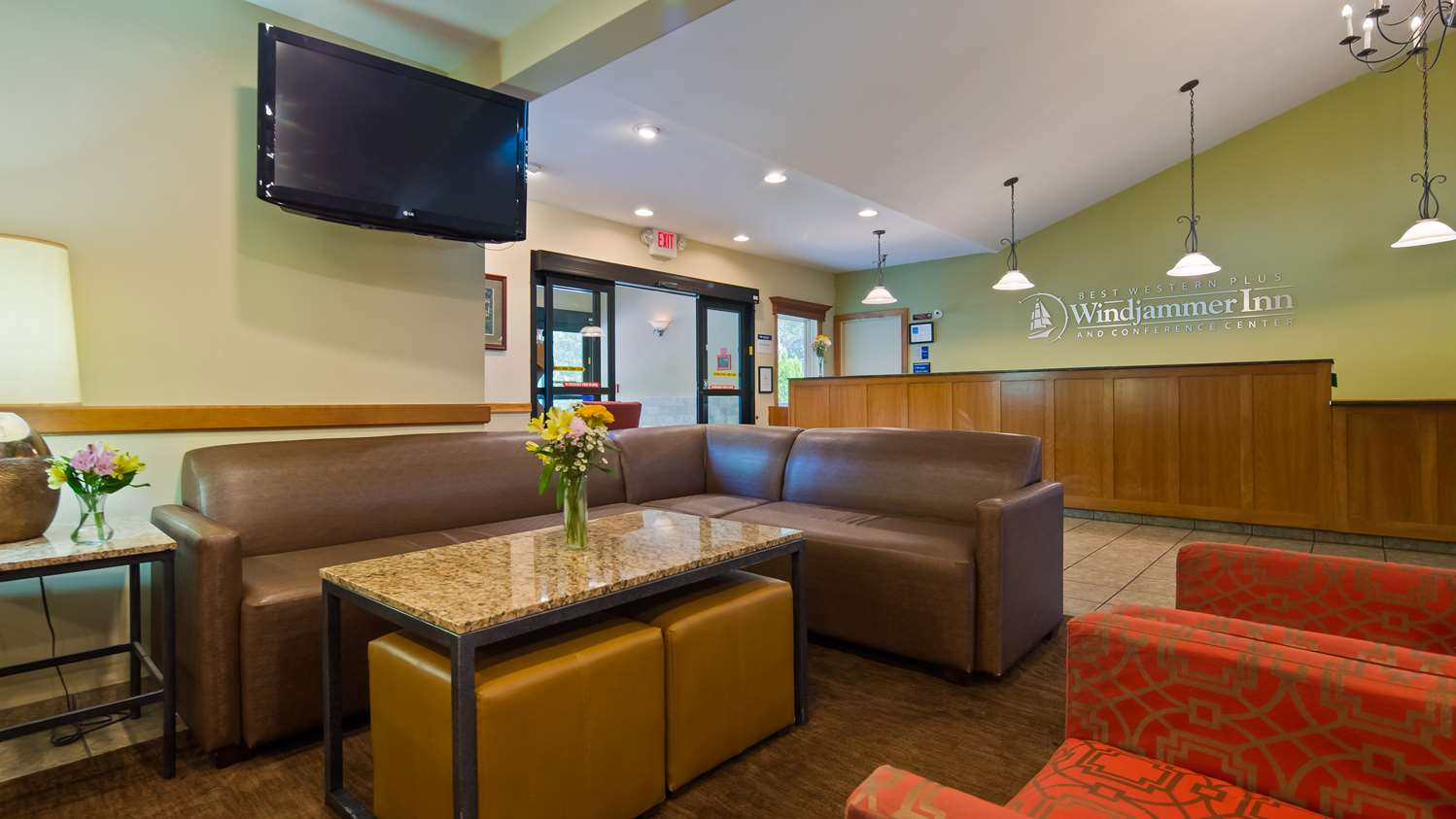 Lobby - Best Western Plus Windjammer Inn South Burlington