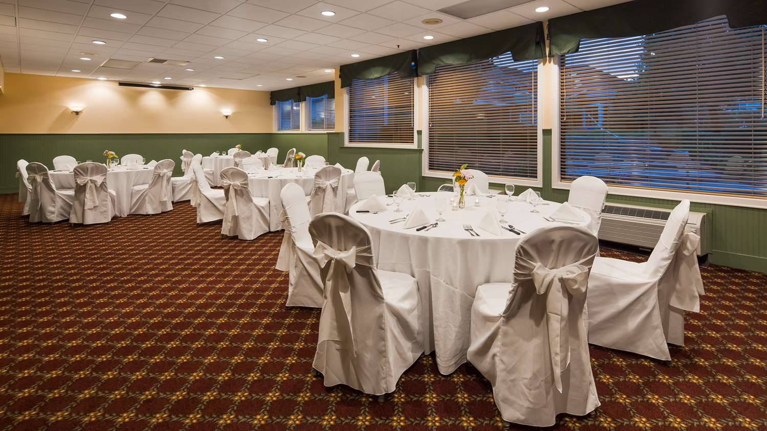 Meeting Facilities - Best Western Plus Windjammer Inn South Burlington
