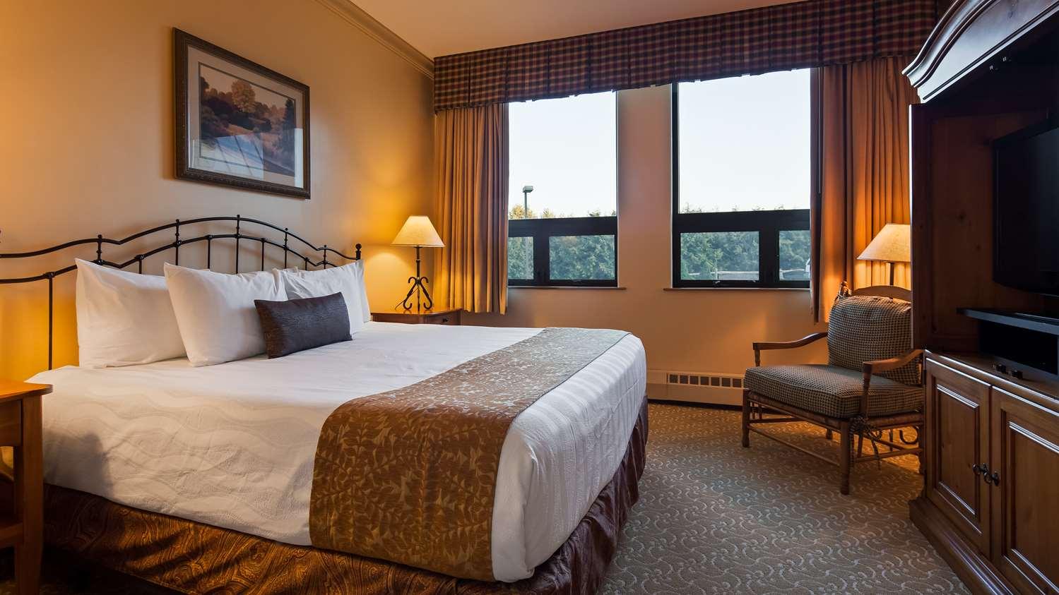 Suite - Best Western Plus Waterbury Hotel