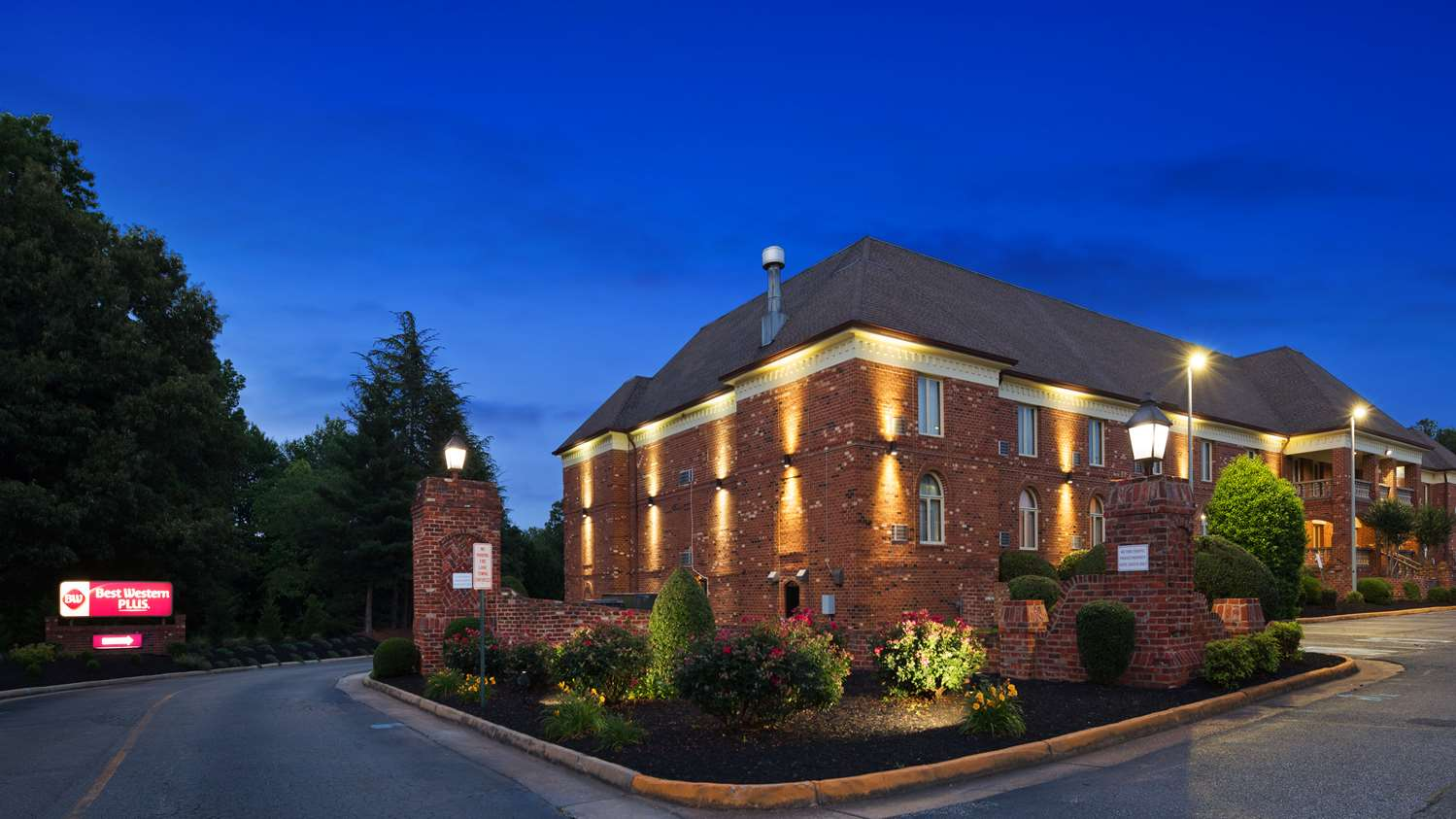 Exterior view - Best Western Plus Governors Inn Richmond