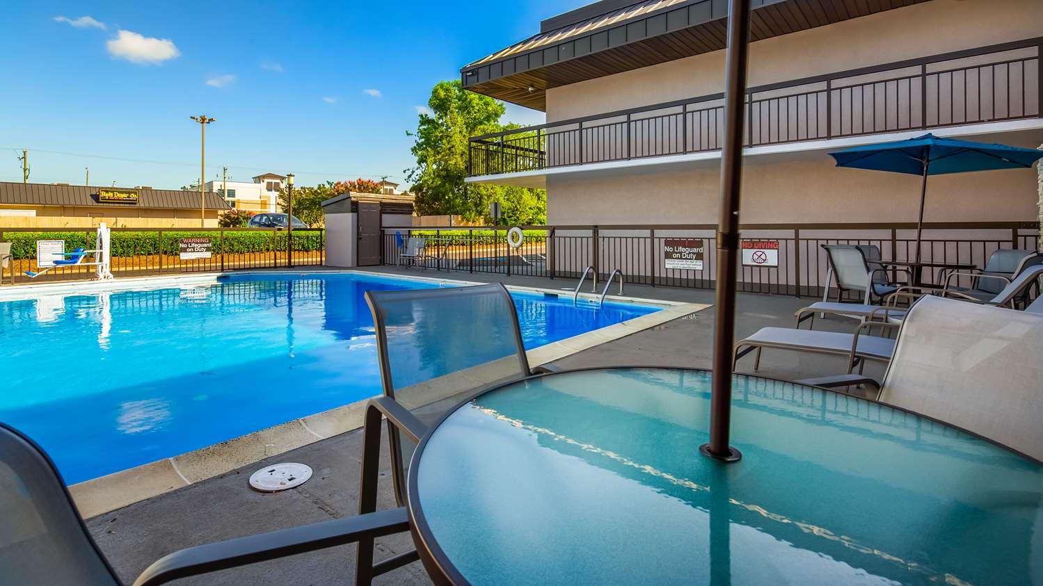Pool - Best Western Center Inn Virginia Beach