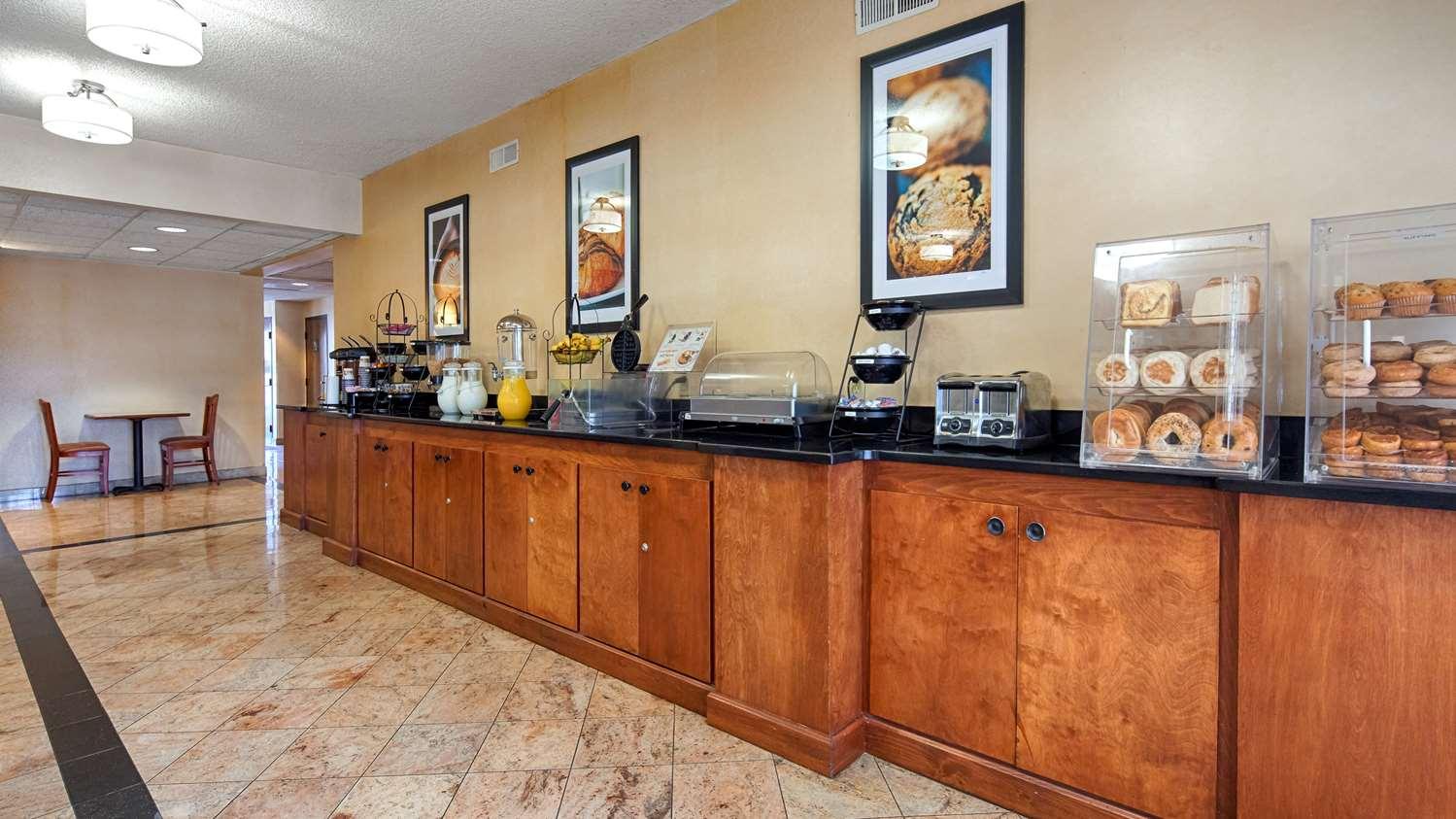 Restaurant - Best Western Motel Emporia