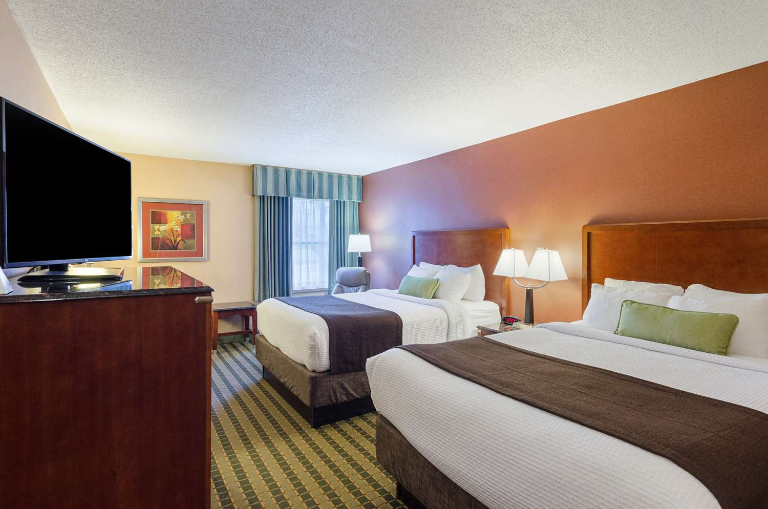 Room - Best Western Plus Valley View Inn Roanoke