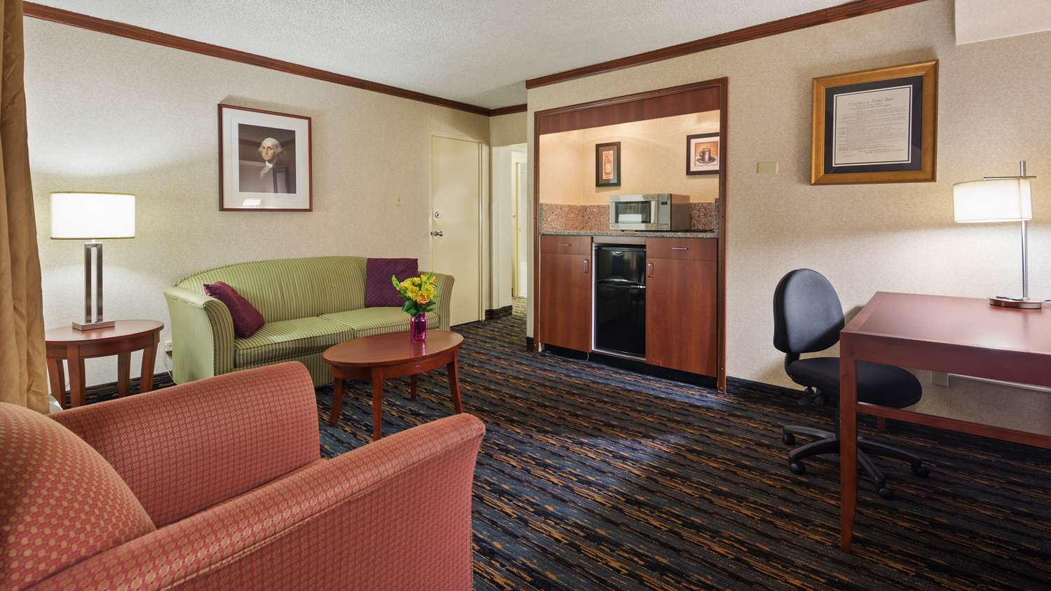 Suite - Best Western Fairfax Hotel