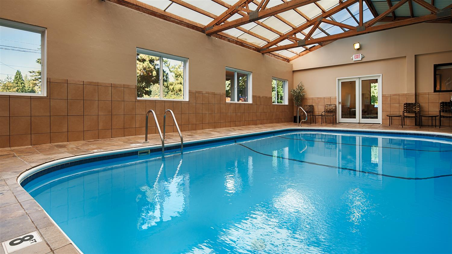 Pool - Best Western Aladdin Inn Kelso