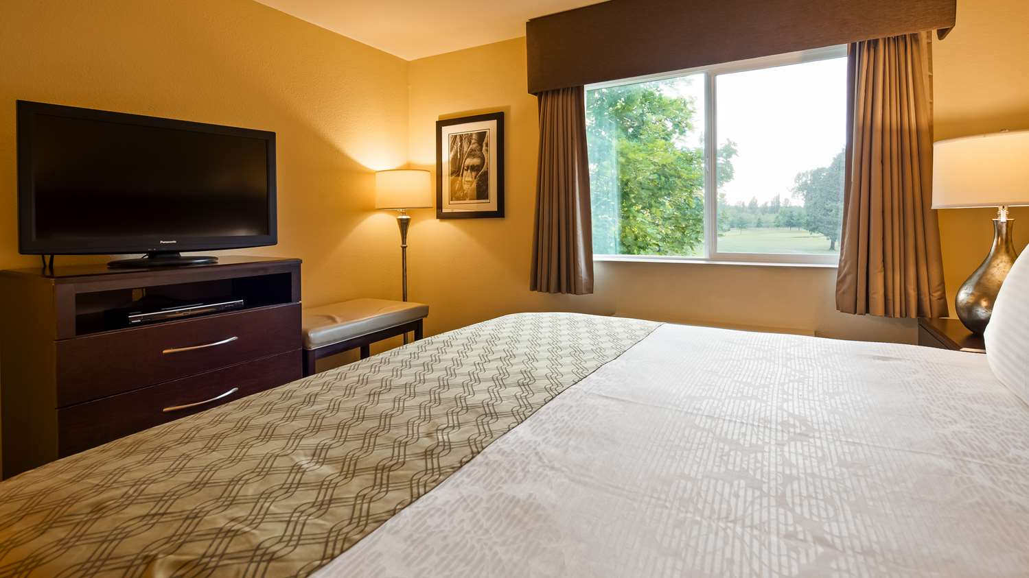Room - Best Western Plus Plaza by the Green Inn Kent