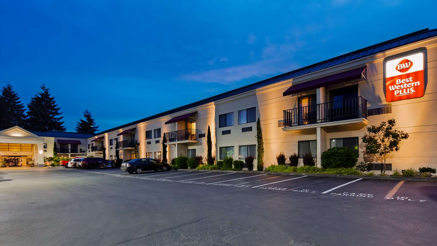 Exterior view - Best Western Plus Plaza by the Green Inn Kent