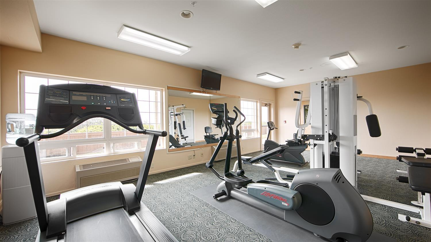 Fitness/ Exercise Room - Best Western Lighthouse Suites Ocean Shores