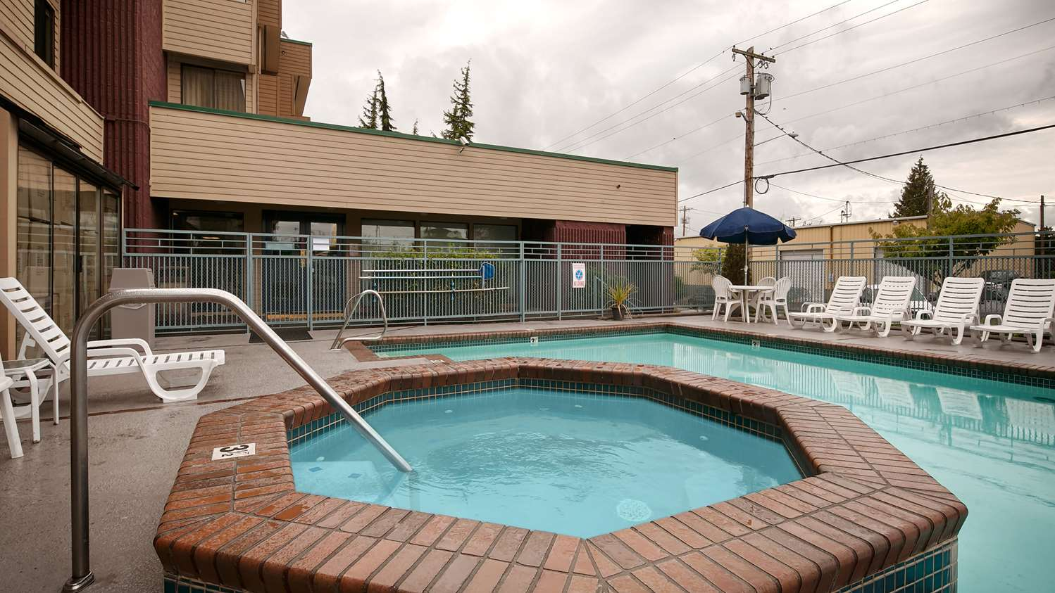 Pool - Best Western Cascadia Inn Everett