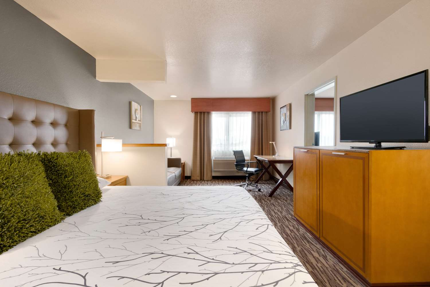 Room - Best Western Plus Peppertree Airport Inn Spokane