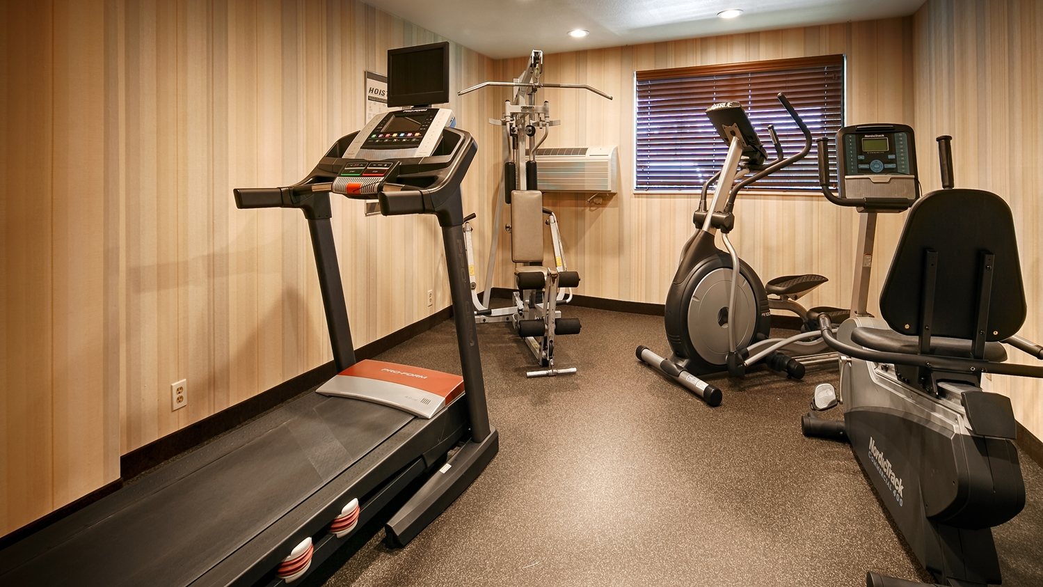 Fitness/ Exercise Room - Best Western Alderwood Inn Lynnwood