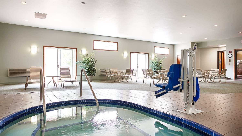 Pool Best Western Rice Lake Inn
