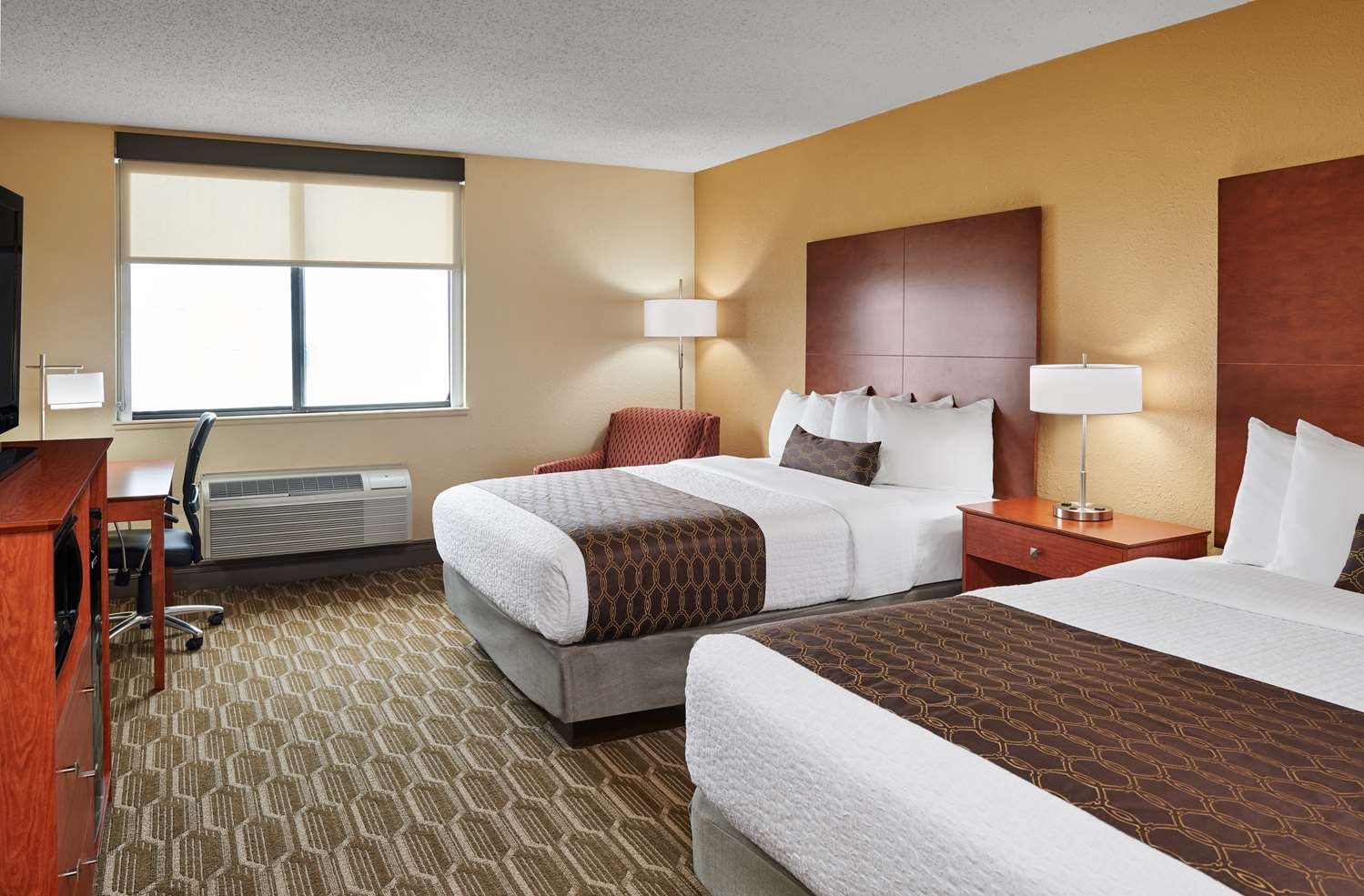 Room - Best Western Plus Milwaukee Airport Hotel