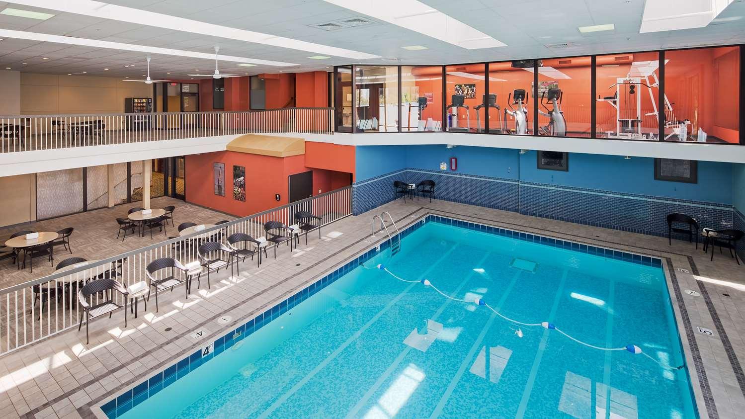 Pool - Best Western Premier Park Hotel Madison