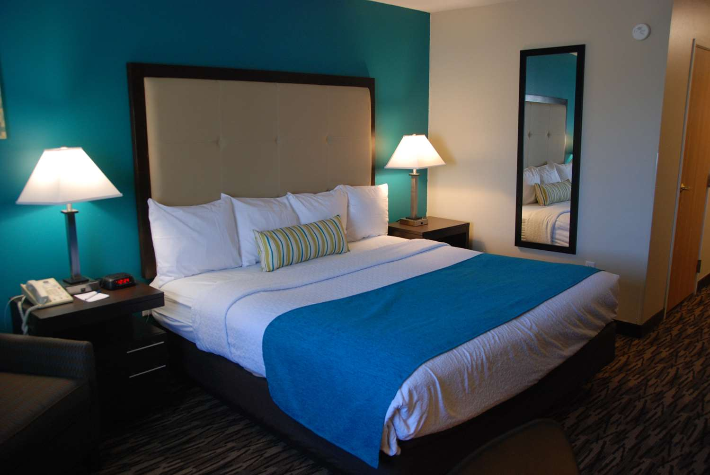 Room - Best Western Baraboo Inn