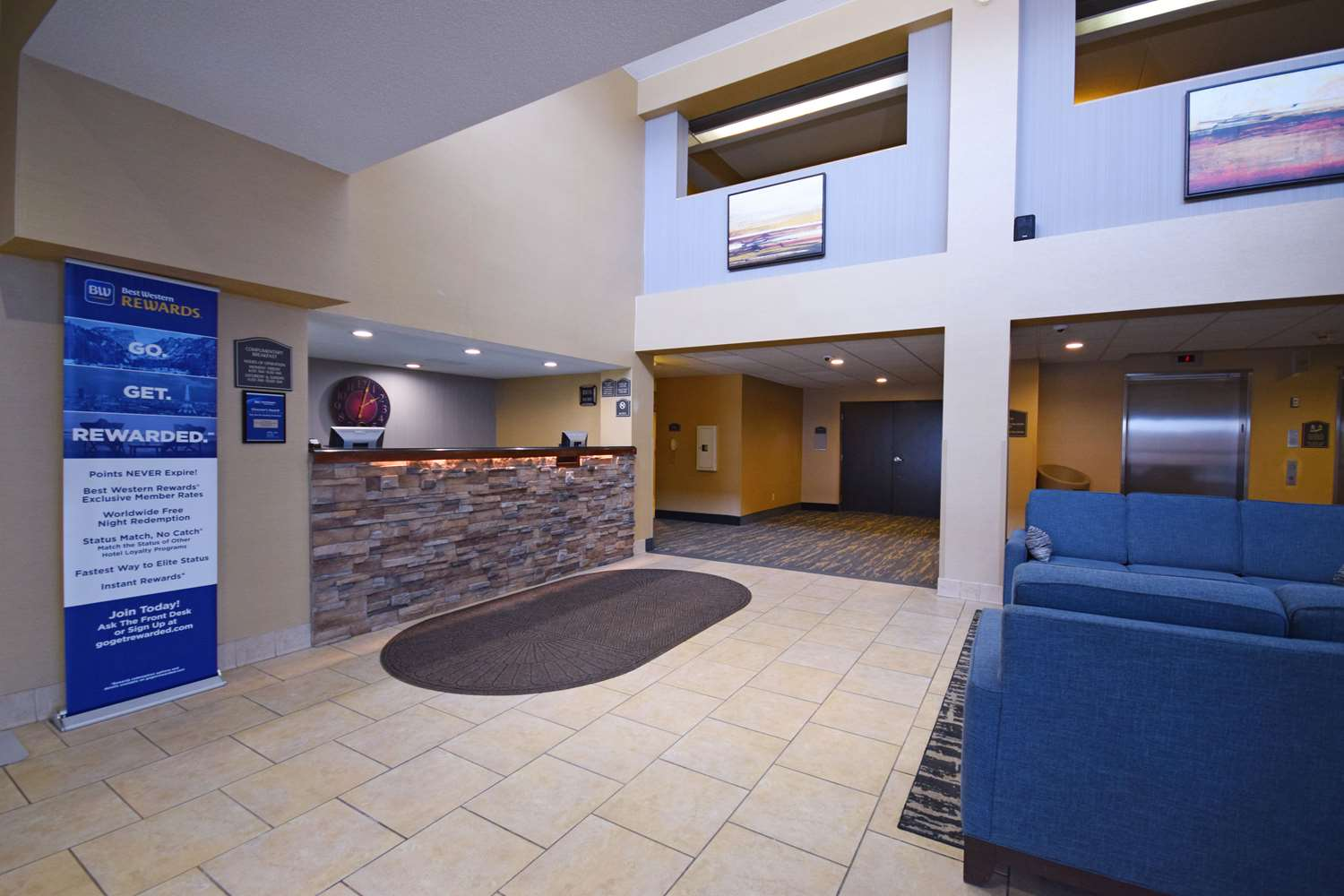 Lobby - Best Western Resort Hotel Conference Ctr Portage